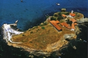 Остров  Св. Иван - легенди за съкровища край подводна гора